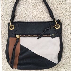 Leather Fossil purse, gently used shoulder bag